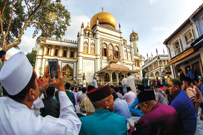 hk_c_The Majestic golden-domed Masjid Sultan shot during the Morning Prayers.jpg