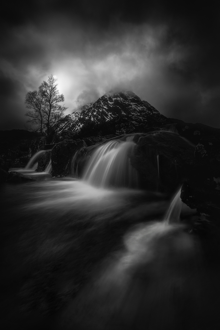 hk_c_Veselin Atanasov - The dramatic weather in northern Scotland.jpg