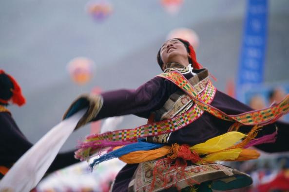 hk_c_玉樹州賽馬會藏族舞.png