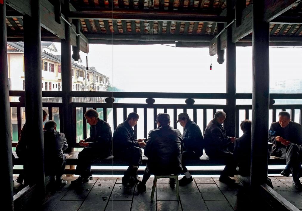 hk_c_廊橋是村民歇息聚會的最好地方.png